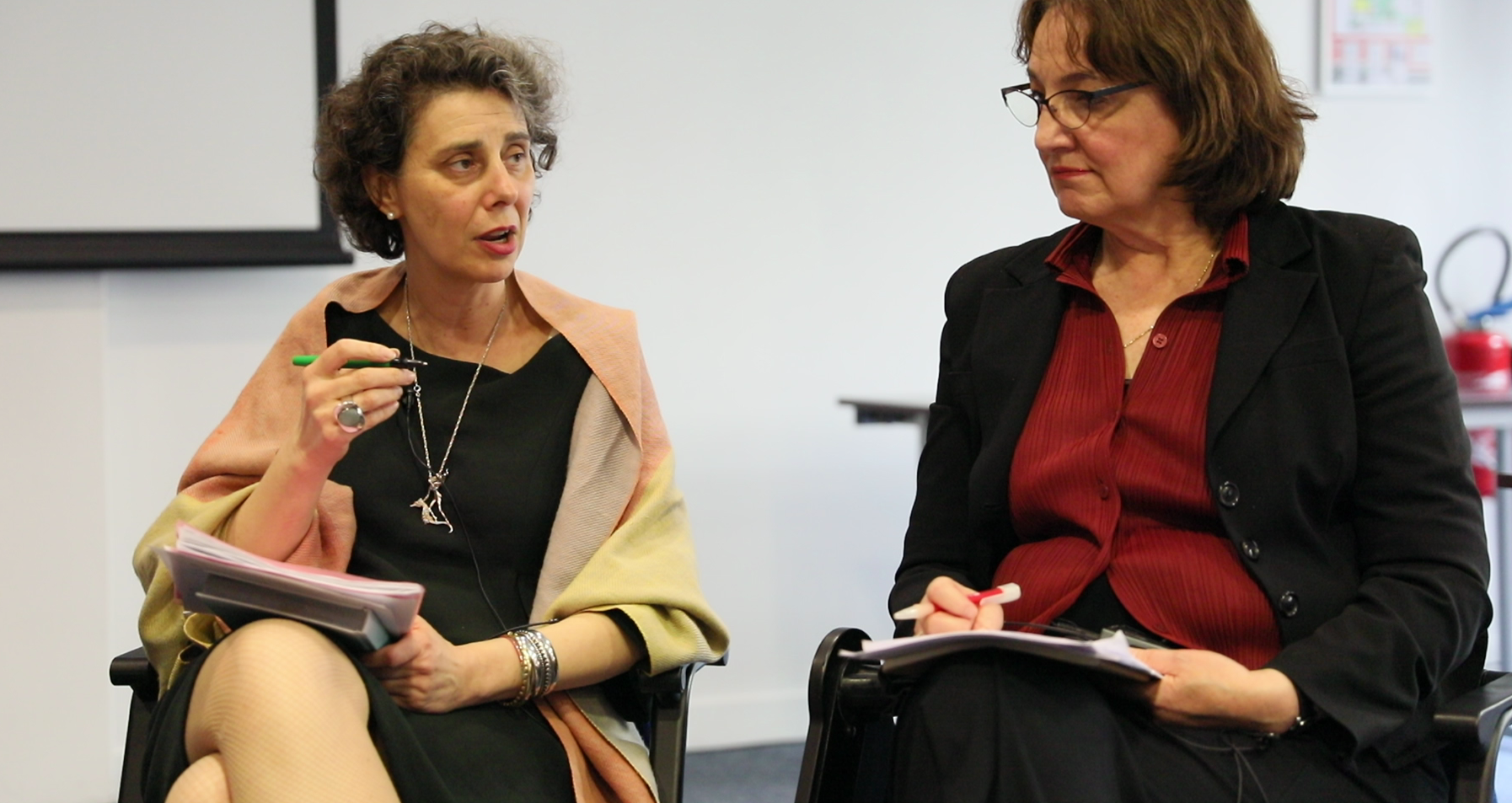 Photo of Maria-Varinia Michalun, Policy Analyst and Project Manager at the OECD and Janet Looney, Director of the European Institute of Education and Social Policy